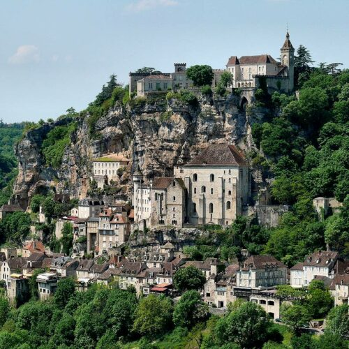 Biking Tour from Bordeaux to Sarlat along the Dordogne river. Option Lascaux cave & Rocamadour