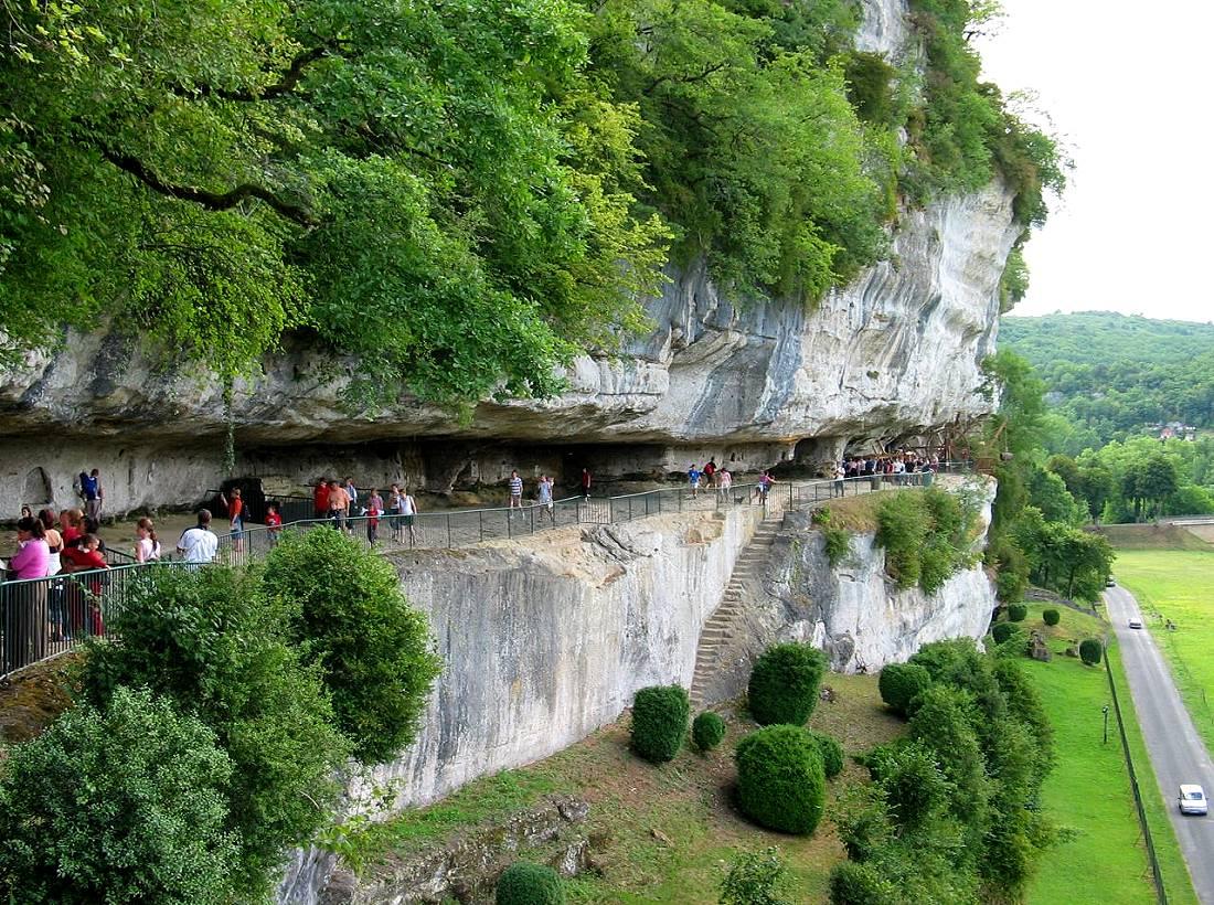 The essentials of Black Perigord by bike in Dordogne