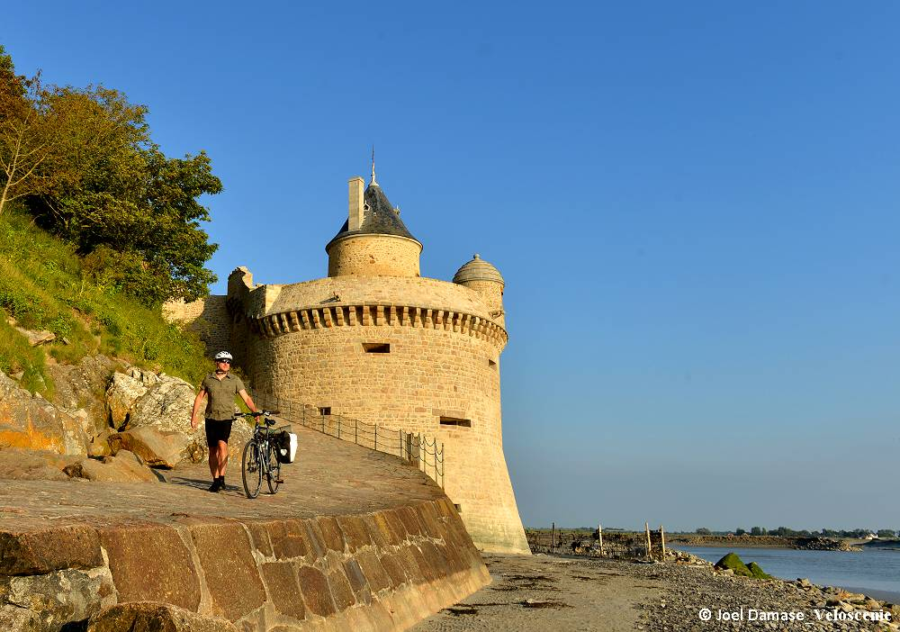 From Normandy landing beaches to Mont-Saint-Michel by bike
