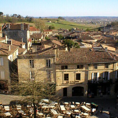 Group travel in Bordeaux & Saint-Emilion vineyards