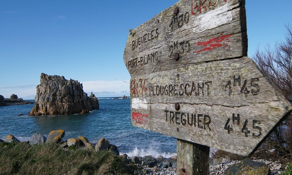 Bike tour in northern Brittany along the Pink Granite Coast