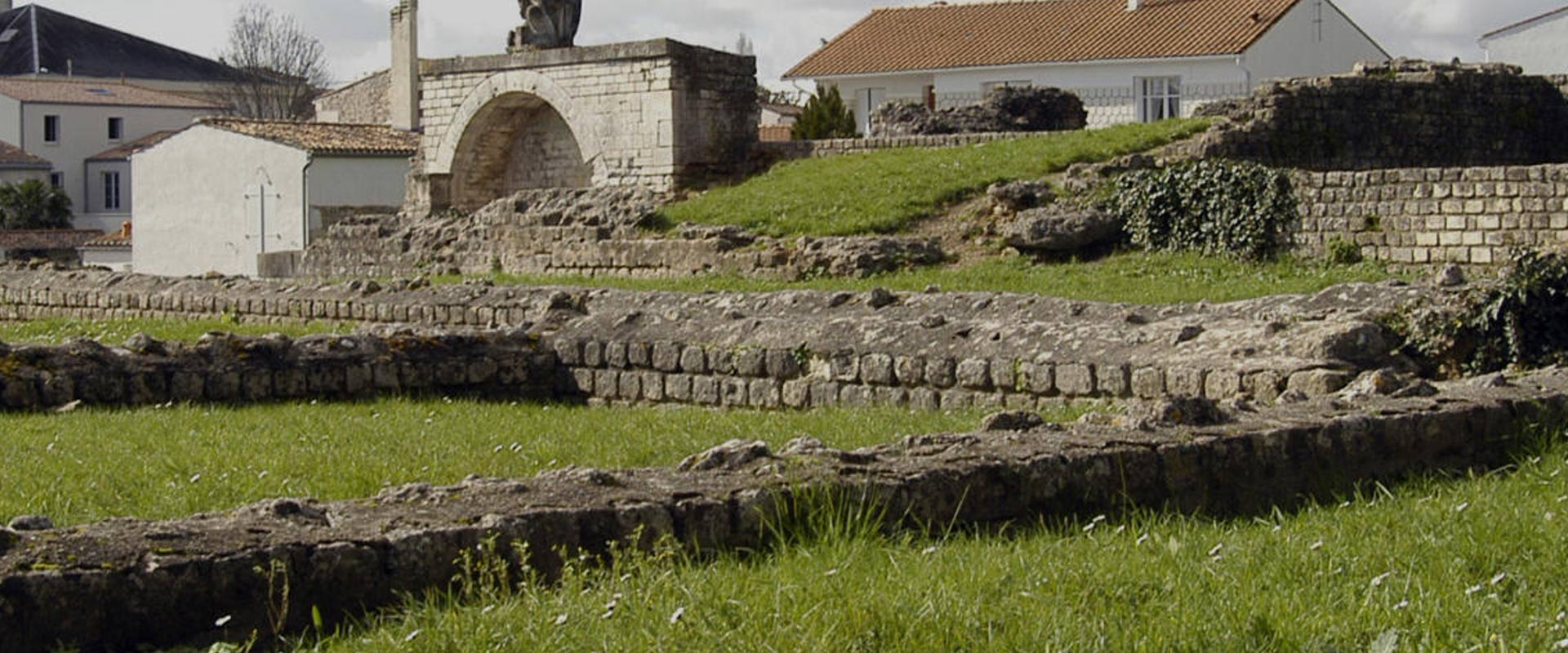 Arc de Germanicus - Pons